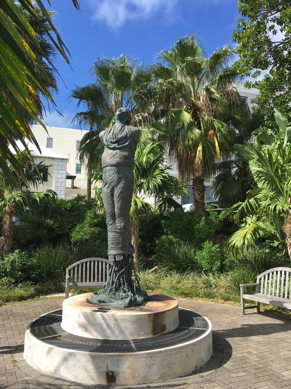 bermuda-statue