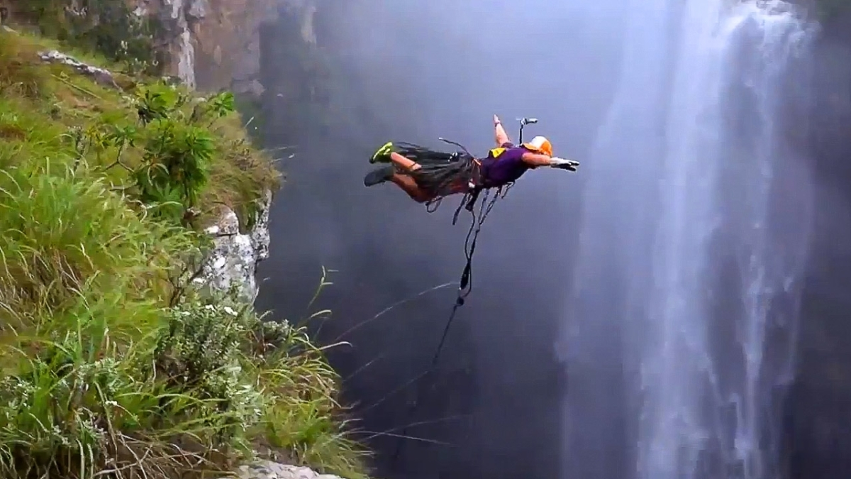 600ft Rope Swing Bungee Jump #MagwaFalls #SouthAfrica @BurntHouseprod @2feelalive @WatchEpicTV