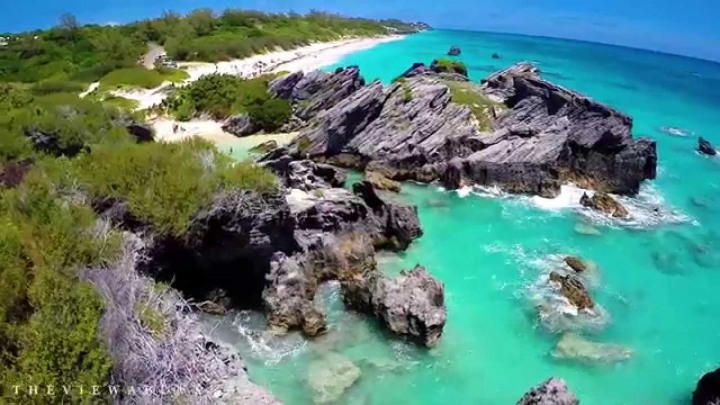 view-above-bermuda-beaches-thevi