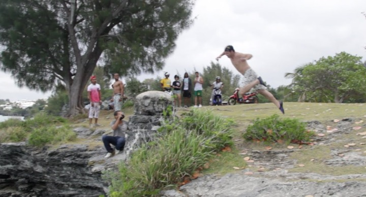 #Bermuda Cliff Diving – Epic Miscalculation