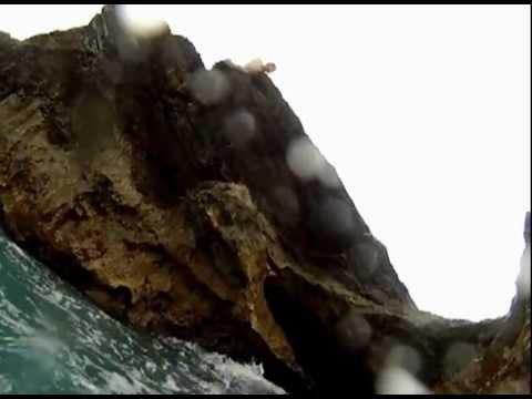 Bermuda Cliff Jumping – Higg, Paul & Riz