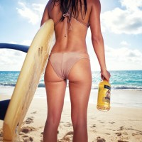 #Bermuda Island Girls @TheBlackSeal